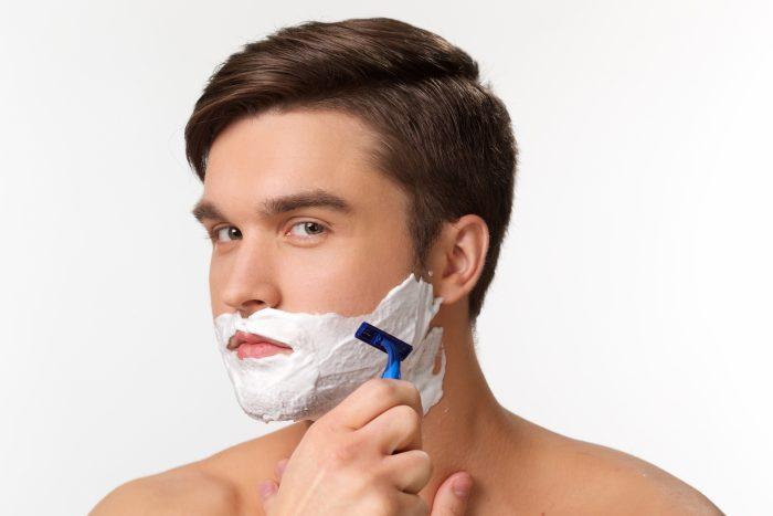 顔の産毛も永久脱毛することは可能です。