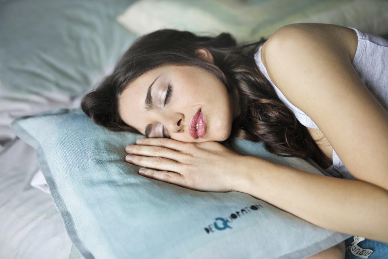 NG行動は、洗顔せずに眠ることです。